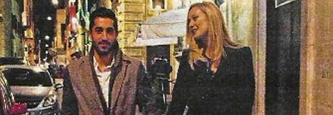 ROBERTA SCARDOLA, EX ''CESARONA'' IN AMORE A ROMA COL FIDANZATO CALCIATORE